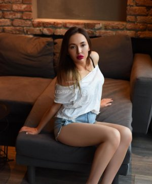 Bintou escort girl