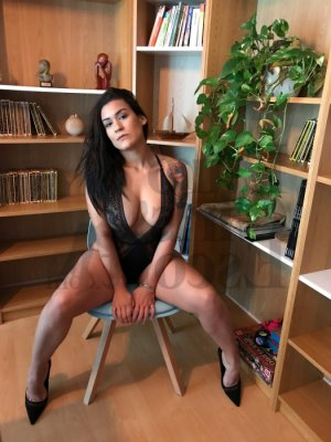 Laurelle shemale escort girl in La Crescenta-Montrose CA
