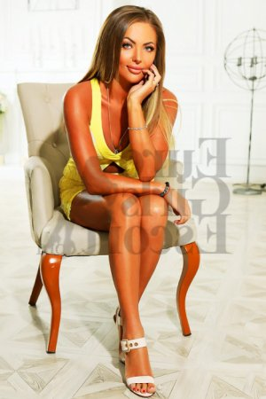 Lylwen escort girl in Goose Creek