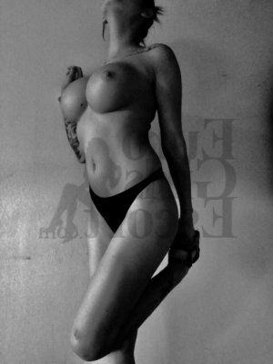 Auxilia escort girls in Berlin