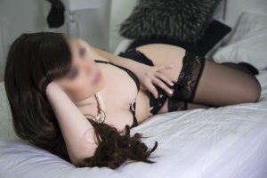 Nisa escort girl